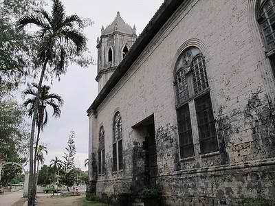 Dauis Church Complex {Bohol, Philippines)   Photo by Niña Terol-Zialcita